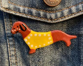 Dachshund Dog Brooch/badge.Wiener dog badge.Dog Lover Gift/Ceramic /Porcelain .Animal badge.Animal jewellery.Handmade in Wales ,Uk