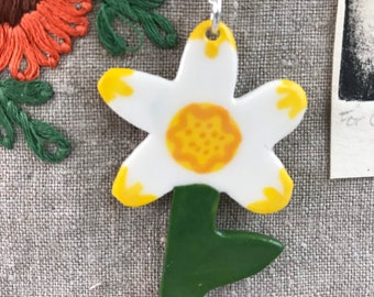Daffodil pendant necklace.Ceramic/Porcelain .Flower Necklace.Porcelain Jewellery.Santes Dwynwen.Handmade in Wales,Uk.