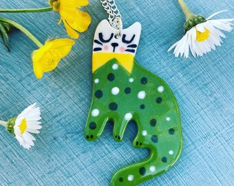Green Cat Ceramic Pendant.Porcelain Cat Pendant.Cat lover gift.Animal Jewellery.Handmade Ceramic Jewellery.Cute cat pendant necklace.