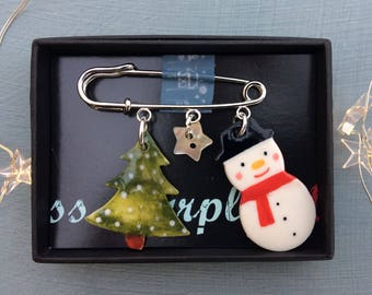 Snowman and Christmas tree Charm Brooch.Christmas Brooch.Christmas Jewellery.Handmade ceramic gift.Porcelain Jewellery .