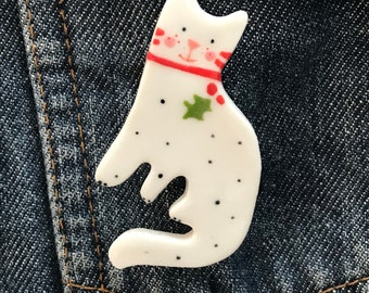 Cat Brooch/pin/button/badge.Christmas cat/Cat Lover Gift/Ceramic /Porcelain.Animal jewellery .Handmade in Wales ,Uk