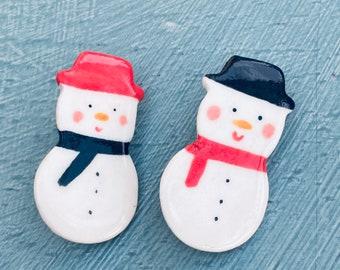 Snowman Ceramic Badge.Snowman Brooch.Porcelain badge.Christmas Gift idea.Handmade in Wales,Uk