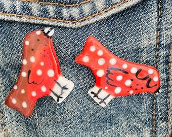 Robin Badge.Christmas Brooch/Bird.pin/button/badge.Ceramic/Porcelain .Animal badge/animal jewellery/Christmas jewellery .Made in Wales,Uk
