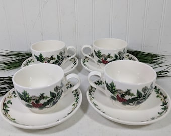 Portmeirion Cups + Saucers The Holly & The Ivy by Anwyl Cooper-Willis Set 0f Four Footed Tea Cup + Plate Christmas Holiday Table Decorating