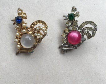 Set of vintage rooster scatter pins