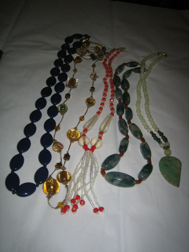 Vintage Lot of 5 Glass /& Stone Necklaces