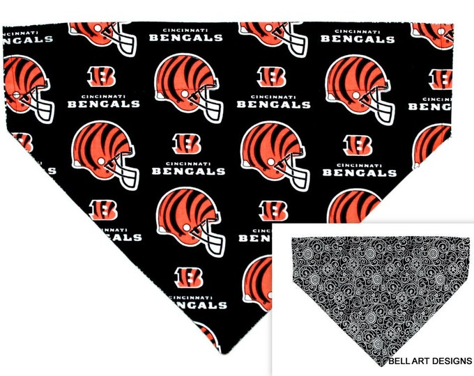 DOG BANDANA ~ Cincinnati Bengals, Over the Collar ~ Reversible ~ Bell Art Designs - Extra Large DCXL0252