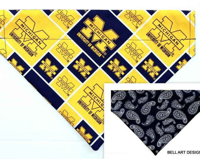 UNIVERSITY MICHIGAN , Over the Collar ~ Reversible ~ Dog Pet Bandana ~ Bell Art Designs ~ Large DCL748