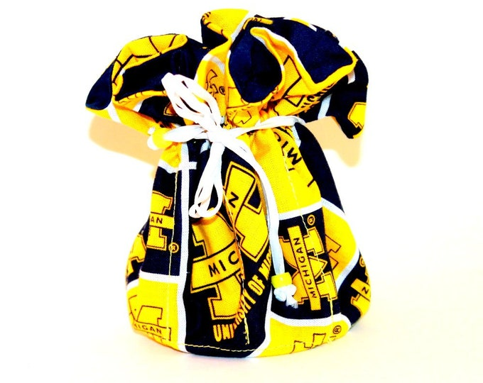 UNIVERSITY of MICHIGAN Fabric Jewelry Organizer ~ Pouch ~ Storage Case ~ Bag ~ Tote - Bell Art Designs ~ Medium ~ JBMD0183