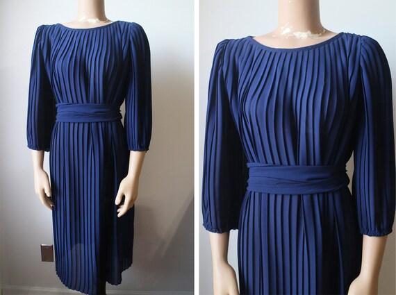 Vintage Beautiful Deep Blue Pleated Shift Dress M/L