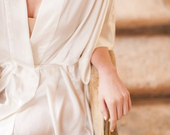 Samantha Silk Bridal Robe Satin Kimono Getting Ready Bridesmaids Robes in Ivory