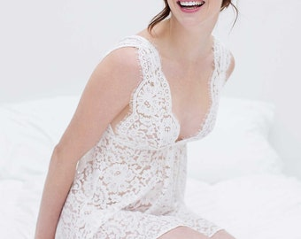 Elizabeth Lace Bridal Chemise in Off-white