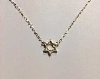 100% Sterling Silver Small Jewish Star of David Choker/Necklace.  Petite, dainty, shines beautifully!