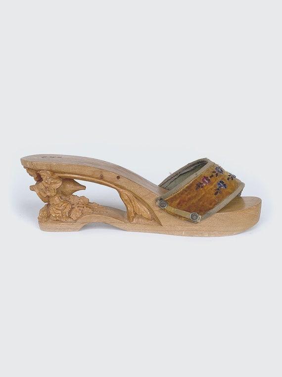 70's Ochre Carved Wedge Heels
