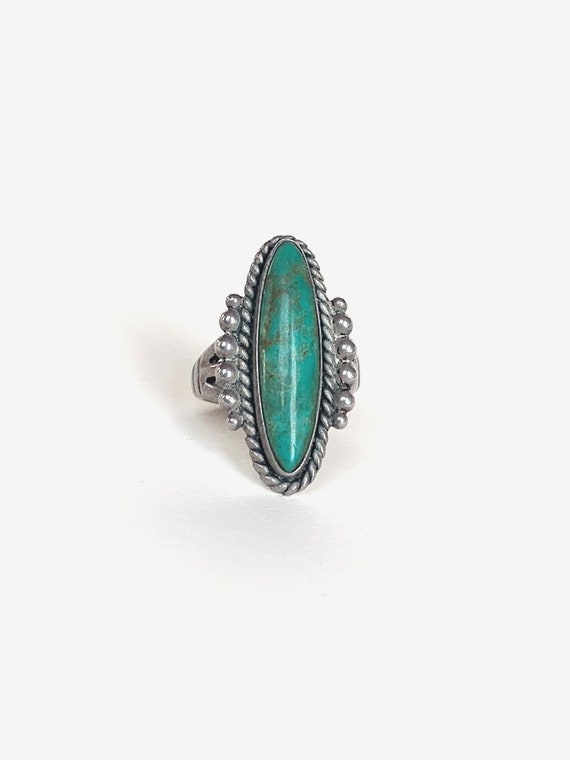 Oval Silver & Turquoise Ring