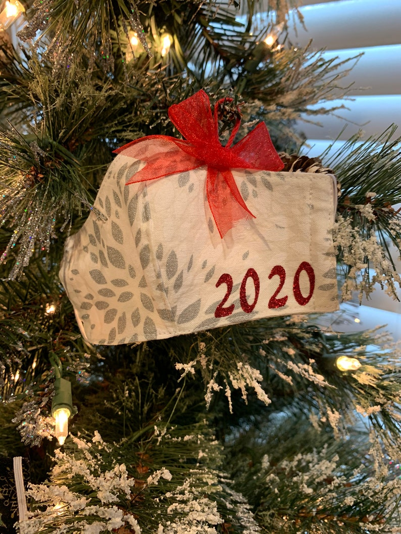Mask Ornament 2020