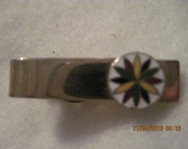 Antique BEAUTIFUL DESIGNER Gold and Enamel quot Pinwheel quot Tie Clip 5596 Signed Made by Robbins Co. Attleboro