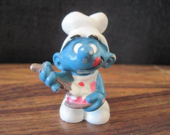 Vintage 1973 Cook Smurf Chef Mini PVC Miniature Action Figure Peyo Toys Figurine