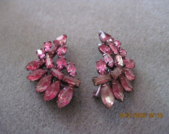Vintage BEAUTIFUL Shabby Chic Fuchsia Crystal Flair/Floral/ Art Deco Collar or Hat Pins...a pair...40's/50's...RARE and UNIQUE estate found