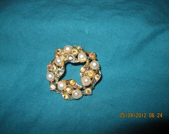Vintage GORGEOUS Gold Faux Pearl & Topaz Crystal AB Circle/Floral Pin/ Brooch...  40's or 50's...2032