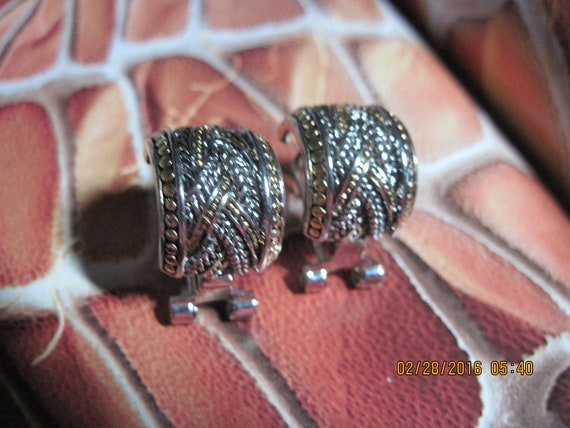 Vintage ROMANTIC Silver Detailed Marcasite Crystal Dome Button Style High EndQuality Clip Earrings....#8765B  Bridal Wear Holiday Special