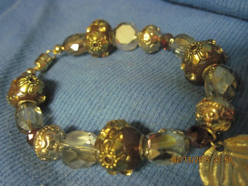 Vintage Reclaimed GORGEOUS Small Gold Leaf with Smokey Topaz Faceted Crystal /& Gold Accents Bead Bracelet ....hand made OOAK...1580h