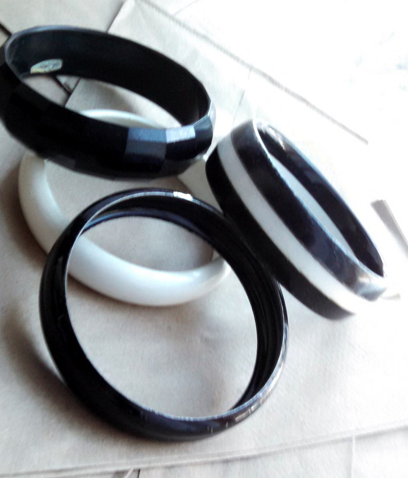 Vintage Monochrome Minimalist High Contrast  Match Everything Plastic Bangles  Oreo Cookie  Basic Black and White Arm Candy Every Day Party
