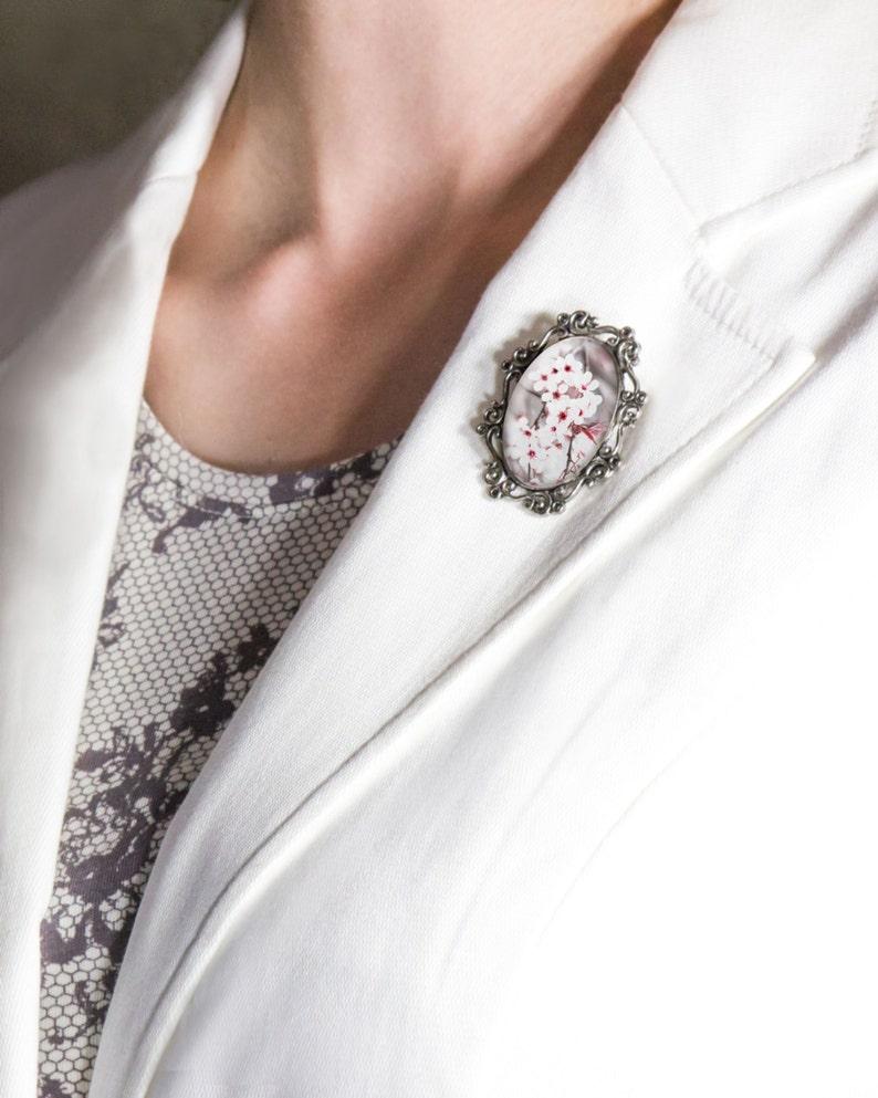 Gift for Women Climber Innsbrook Souvenir Brooch Edelweiss Walking Shoes Tyrolean Hit Present for Mum Mother