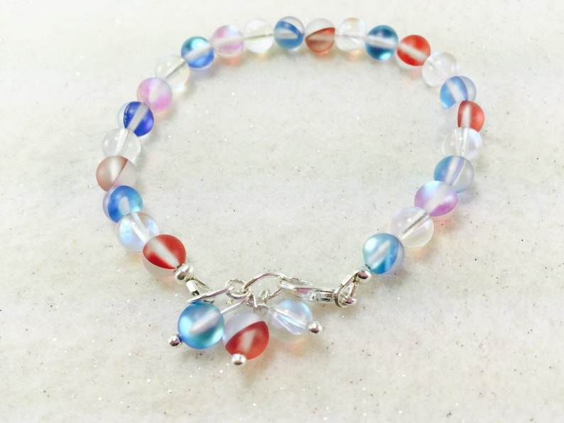 0811f5028152b 4th of July Bracelet, Red White and Blue Bracelet, Fourth of July Bracelet,  4th of July Beaded Bracelet, Patriotic Bracelet