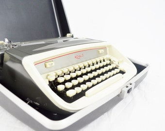 1965 Royal Safari Manual Typewriter - Fully Functional and Portable (Case Included) - Slate Gray