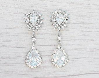 Classic teardrop crystal earrings. Wedding crystals stud earrings. Classic earrings for bride to be. Bride teardrop crystal stud earrings.