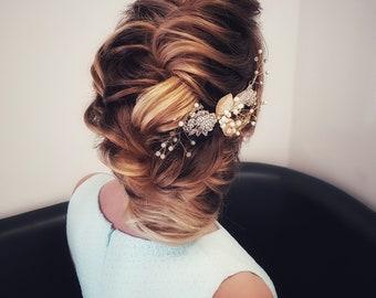 2018 bride collection. hair vine for bride. Wedding hair piece. Bride hair accessory. Flower hair vine. Bride hair piece. Wedding hair vine.