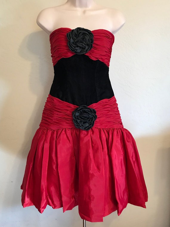 Vintage Red and Black Strapless Party Cocktail Dre