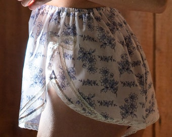 Vintage Cotton Lingerie Shorts French Knickers Bow Tap Pants Mom's Day / MARGUERITE Tap Shorts - Porcelain