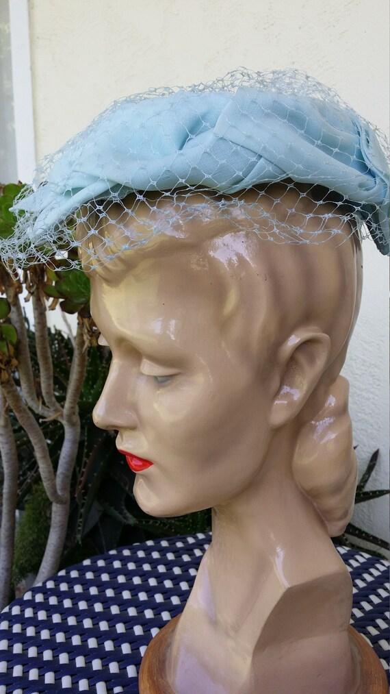Lightest Blue Ladies Hat Mesh Veil 1950s - image 3
