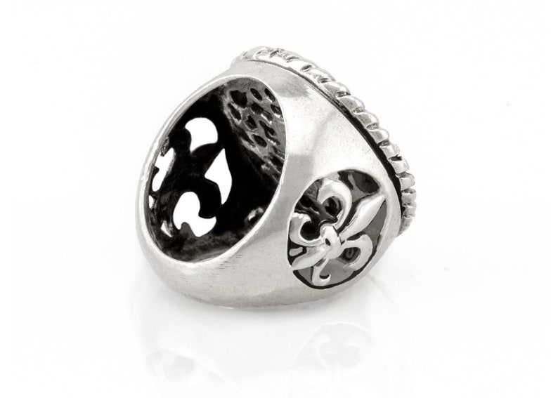 symbol for peace coin ring with the Star of Abraham medallion on fleur de lis ring Jewish ring Abraham ring