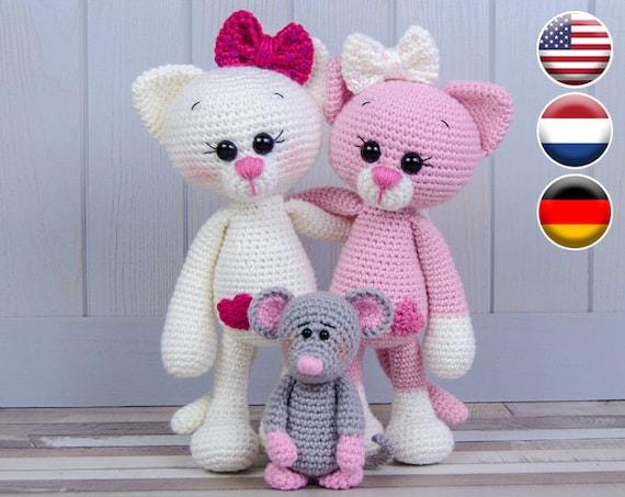 Itty bitty crochet kitty | free crochet cat pattern - Thoresby Cottage | 453x570