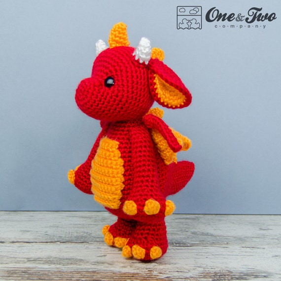 Crafty Mutt: Baby Dragon Palm Pal Knit+Crochet Pattern | 570x570