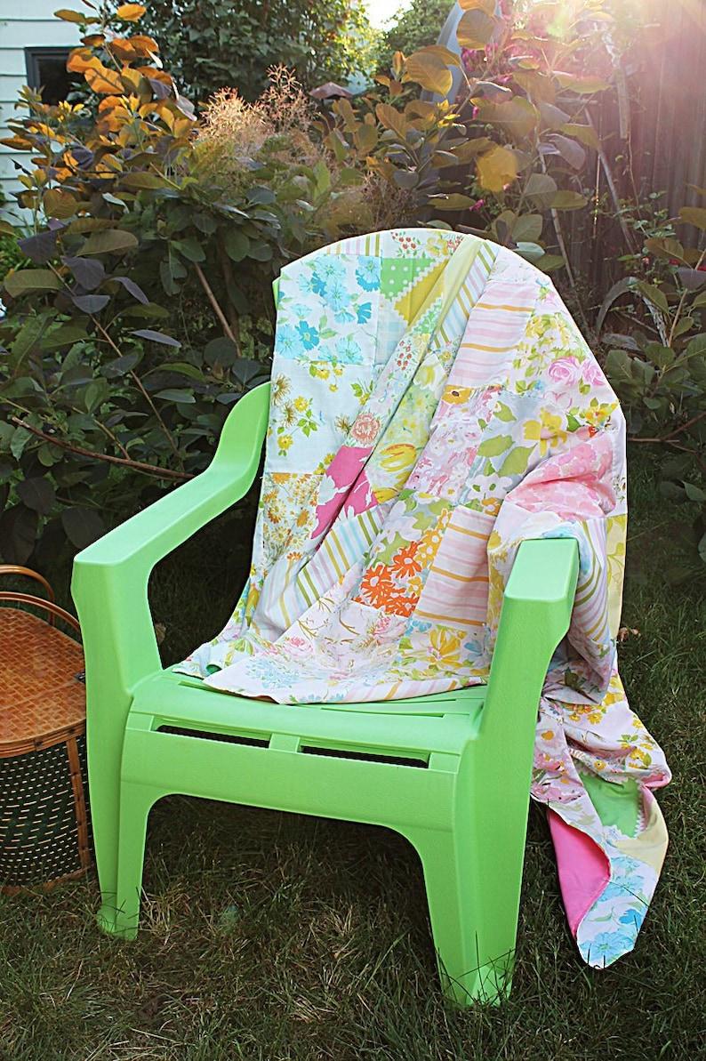 Summertime Picnic Quilt Kit  Vintage Sheet Quilt Kit image 0