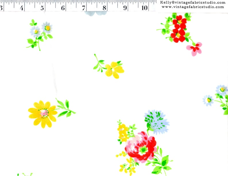 Vintage Sheet Yardage Bright Bouquets Vintage Floral by the image 0