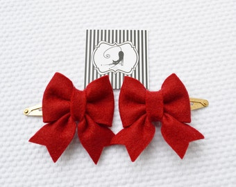 Hair clips with felt bow in red / Handmade with 100% Wool Felt / Birthday gift hairclip set / Baby Girl Accessories
