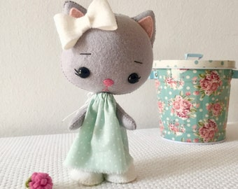 Cute kitty,Felt Kitty doll for toddlers preschoolers,handmade felt cat doll,gift idea,new baby gift, felt cat,christmas gift