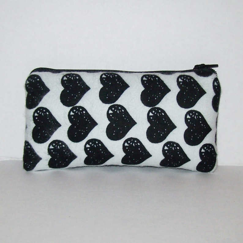 Black Heart  Padded Pipe Pouch  Glass Pipe Case  Pipe Bag  image 0