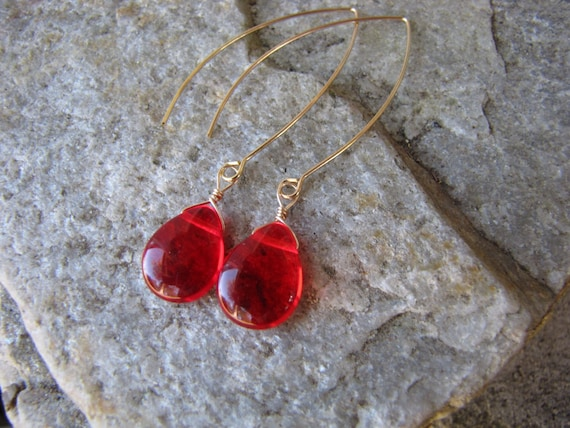 rote Ohrringe gold Creolen Ohr Draht leicht glatten Glas Träne