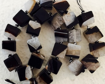 """CHALCEDONY SQUARE BEADS - Black and White 13 Beads 1/2"""" Square"""
