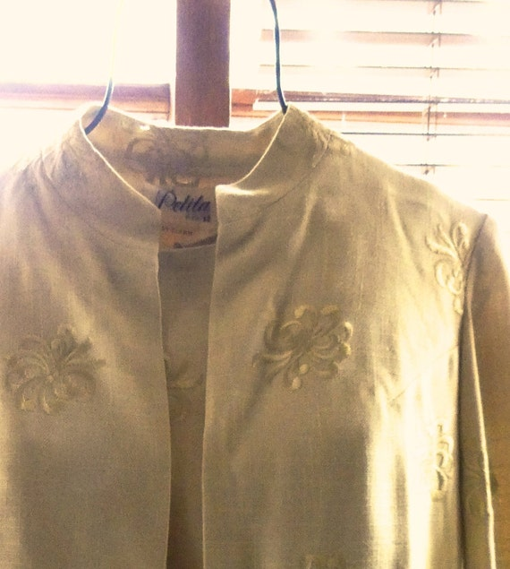 Vintage 1940s Jackie O Style Gold Embroidered Vint