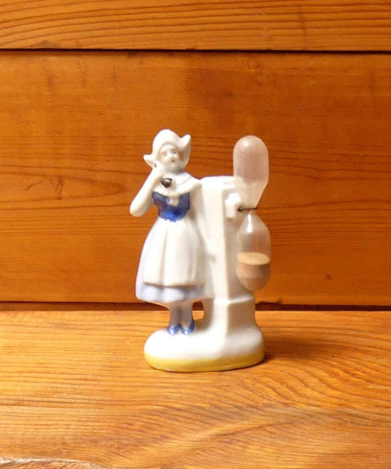 Early 1940/'s Rare Collectable Ceramic Figural Dutch Girl Hourglass Kitchen Egg Timer