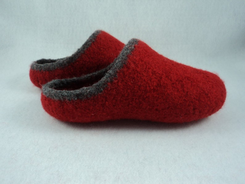 PDF Womens Scuff Slippers Felted Wool Knitting Pattern image 0