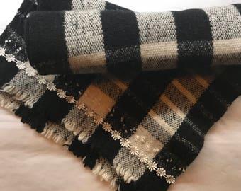 Black & white lambswool scarf