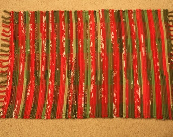 Handwoven Rag Rug - Bright Christmas Red & Green- 38 inches....(#196)